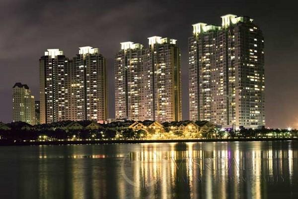 Saigon Pearl apartment -Five star home by the Saigon River.