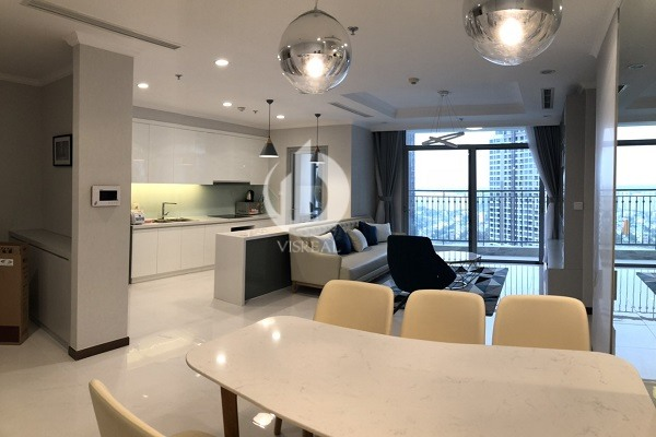 Vinhomes Central Park- Beautiful & Spacious Apartment, 36th Floor, 3Brs with fully furnished