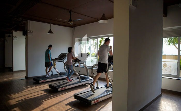 Fitness rooms in Tropic Garden Apartment are used for gyms and yoga, all are equipped with modern and innovative equipment. You will find again that exercise can make you feel better under daily depression and enhance your family health.
