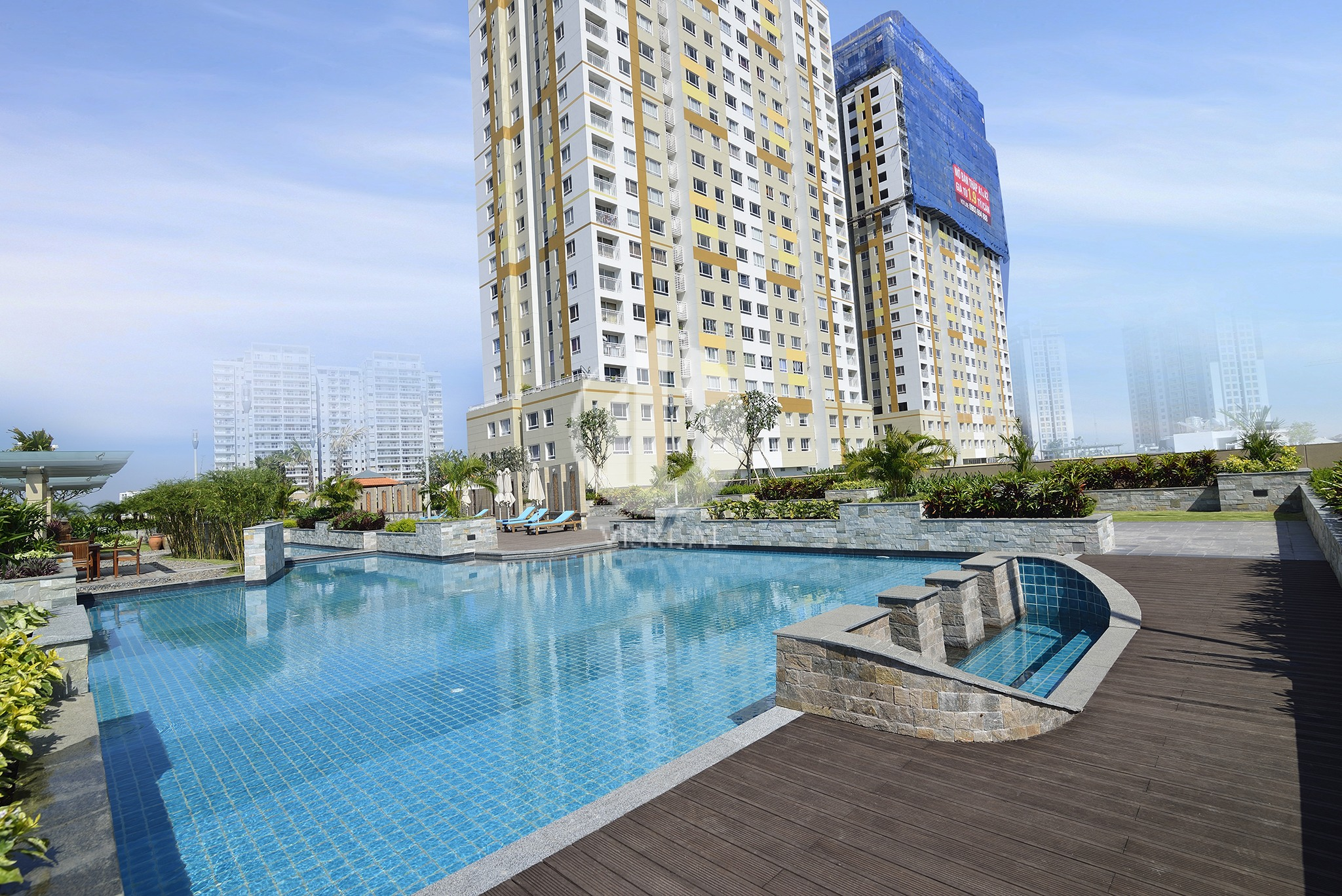 The swimming pools in Tropic Garden Thao Dien Apartment has an open space to welcome sunshine for a whole day.