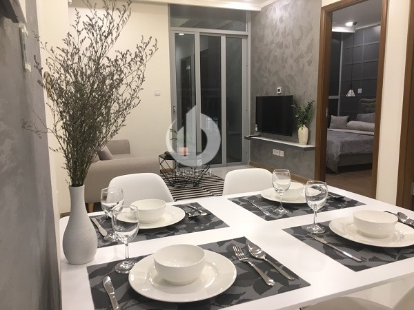 Vinhomes Central Park Apartment – Apartment is very modern, comfortable, suitable for people living alone or young couple.
