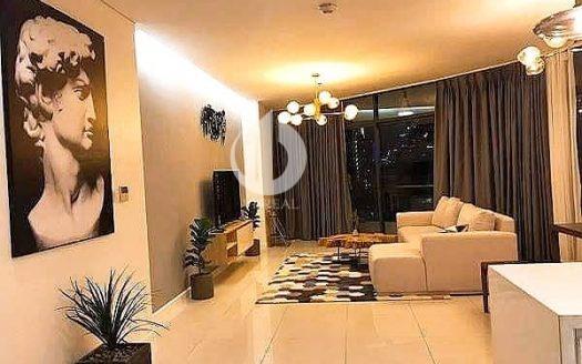 City Garden Apartment - Spacious, Convenient, City View.