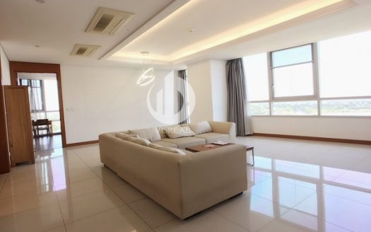 Xi Riverview Palace Apartment – Spacious apartment with nice suitable for families.