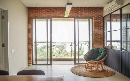 Diamond Island Apartment – Basic interior, cool Saigon view.