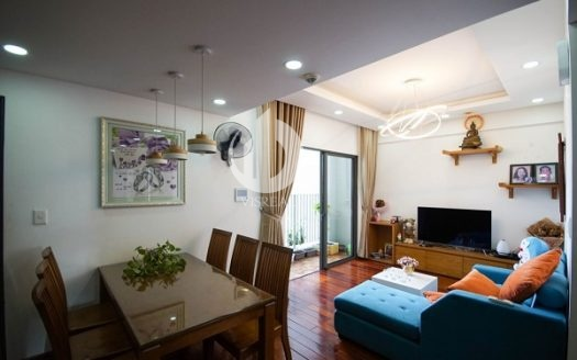 Masteri Thao Dien Apartment -  Colorful furniture brings a youthful appearance to the apartment.