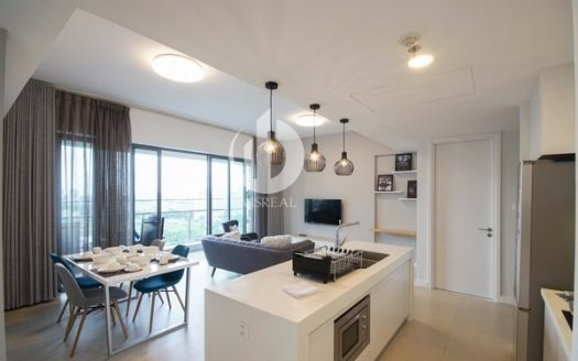 Gateway Thao Dien Apartments – Luxuriously designed by a sophisticated combination of black, white and pastel blue colors.