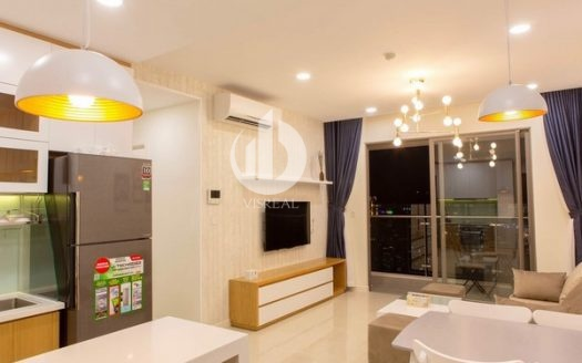 Millenium Apartment – Located at a high floor, the apartment has a beautiful city view at night.
