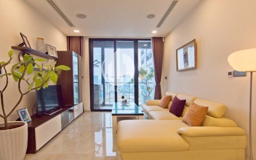 cozy Vinhomes Golden River apartment