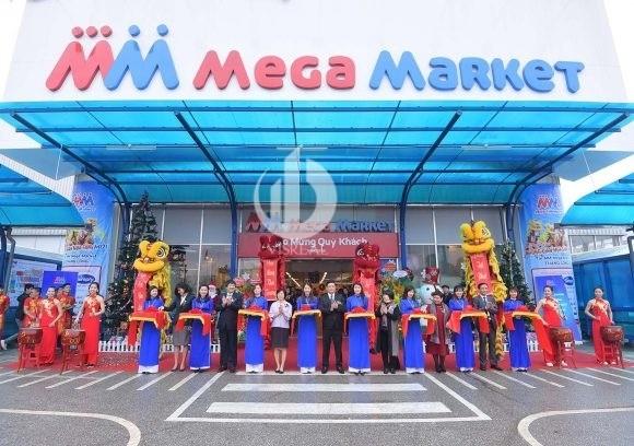 Mega market in District 2 in Ho Chi Minh City